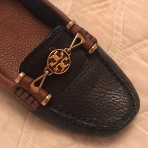 New w/o box navy and brown Tory Burch loafers